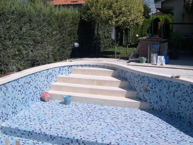 Realizzazione-Piscina-in-villa